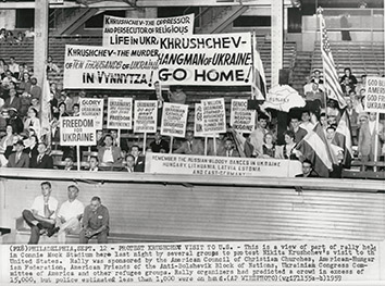 1959, September 12. DA. Philadelphia, Pennsylvania. PROTEST KHRUSHCHEV VISIT TO U.S. Ap Wirephoto (Front)