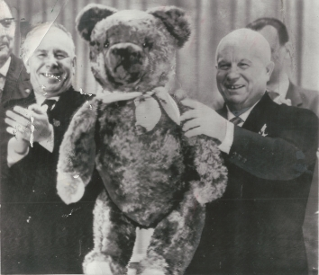 1963, January 19. AA. Berlin, East Germany. KHRUSHCHEV DISPLAYS HIS TEDDY BEAR. AP Wirephoto (Front)