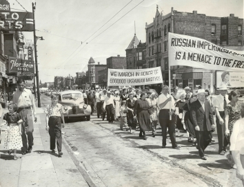 1953, June 21. EA. Chicago, Illinois. UKRAINIAN-AMERICANS PARADE. Ukrainian Americans' rally commemorating 1933 famine. Sun-Times Photo (Front)