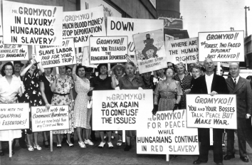 1951, August 27. AA. New York, New York. PICKETS' SIGNS DENOUNCE GROMYKO AND COMMUNISM. AP Wirephoto (Front)
