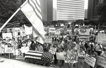 1983, November 6. EA. Houston, Texas. Dozens of anti-Soviet protesters stage a rally outside Houston City Hall. Houston Post Photo by Craig Hartley (Front)