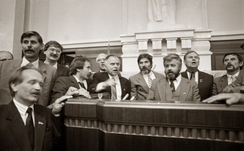1991, August 24. GA. Kyiv, Ukraine. People's Representatives in Verkhovna Rada, including Vyacheslav Chornovil, Ivan Zayets, Dmytro Pavlychko and Les Tanyuk during the extraordinary session, when the Declaration of Independence of Ukraine was adopted. Photo by Oleksandr Klymenko
