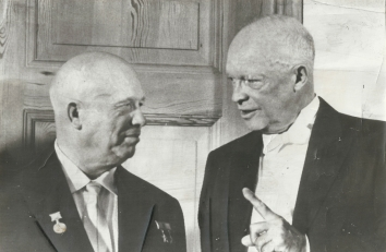 1959, September 15. FA. Washington, District of Columbia. President Eisenhower gestures as he talks with Soviet Premier Nikita Khrushchev before formal dinner given in Latter's honor at White House on September 15. UPI Telephoto (Front)