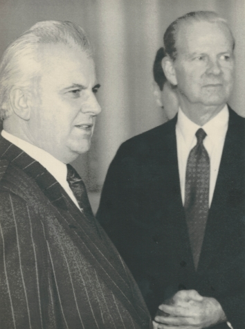 1991, December 18. TA. Kyiv, Ukraine. BAKER AND KRAVCHUK. AP LaserPhoto (Front)